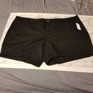 🌻 3/15 Old Navy Plus Size Shorts (E)